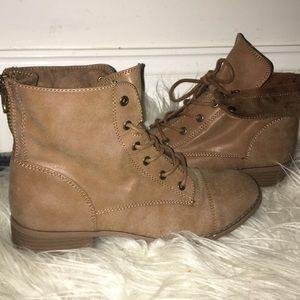 Tan combat boots - lace up short boots
